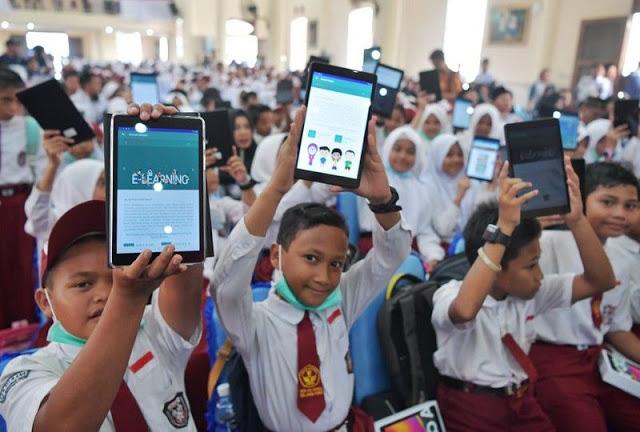 Wow! Setelah Bagikan Pulsa Gratis, Pemerintah Kini Bagikan Tablet Murah Bagi Para Siswa