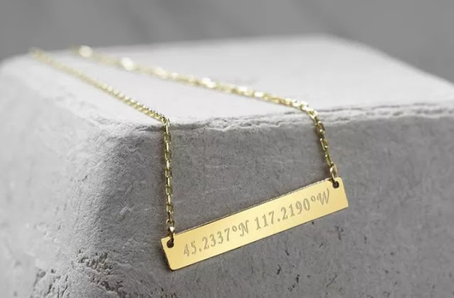BYNCR's Jewelry personalized bar necklace