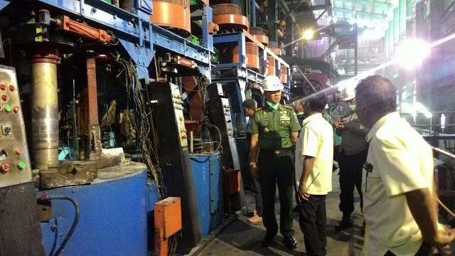 Danrem 141/Tp Silaturahmi Karyawan PG Camming Sekaligus Tinjau Proses Penggilingan