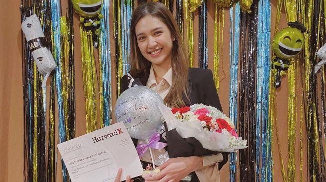Lulus S2 dari Harvard, Nama Lengkap Mikha Tambayong yang Sangat Katolik Jadi Sorotan