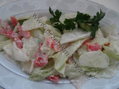 Surówka z sałaty lodowej i papryki