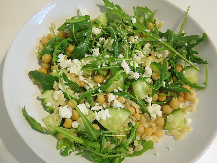 Salada de Pevide, Grão e Pepino
