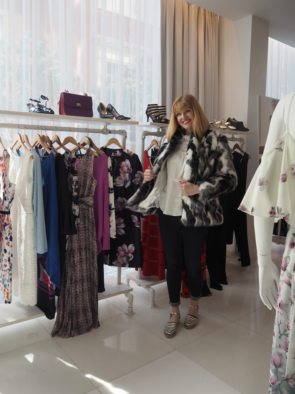 What-Lizzy-Loves-Kaleidoscope-AW17-Press-Day-Black-White-Faux-Fur-Jacket-trying-on