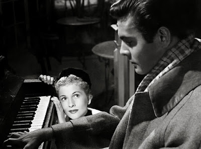 "Joan Fontaine y Louis Jourdan en ""Carta de una desconocida"" de Max Ophüls."