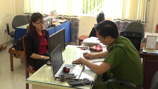 Nguyễn Huỳnh Tú Trinh tại cơ quan điều tra