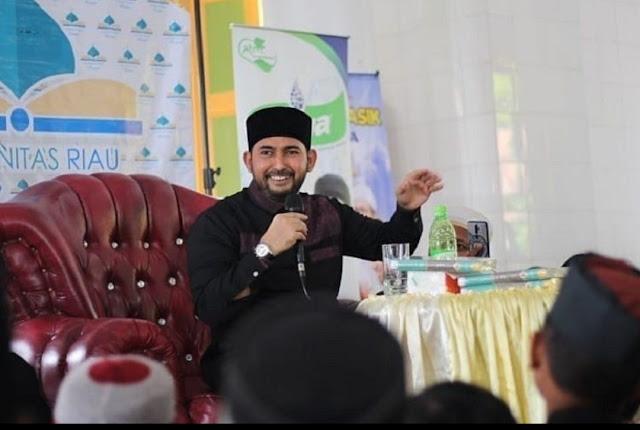 Viral Video Ustaz Al Habsyi Haramkan Air Mineral Aqua dan Vit Dibawa ke Majelis Taklim