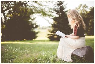 Perempuan Yang Suka Baca Buku Dinilai Lebih Cantik Oleh Banyak Pria