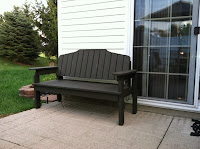 Traditional bench desig for outdoors.