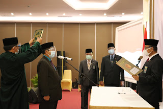 Ketua Pengadilan Tinggi Agama Palembang  Melantik  Drs.Darmadi, S.H menjadi Panitera Pengadilan Tinggi Agama Palembang