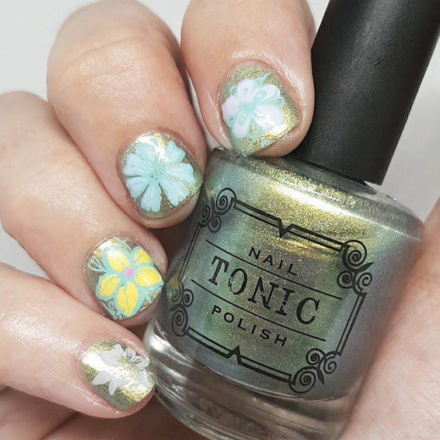 short nails, nail art, stamping nail art, flowers, Tonic polish, Promise of Spring,