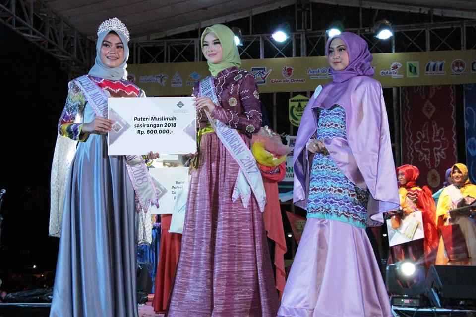 Ide Kreatif Model Busana Muslim Kombinasi Kain Sasirangan Laila Busana