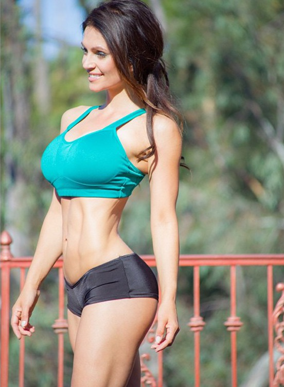 Fitness Model Denise Milani @denisemilaniofficial