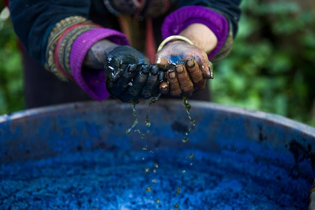 Indigo Dyeing Techniques Of The Mong Of Sapa 1