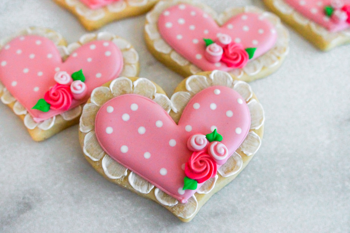 How to Make Lace-Trim, Polka-Dot Heart Decorated Cookies