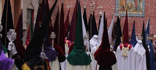 El obispo de Málaga retrasa un año las elecciones en las cofradías