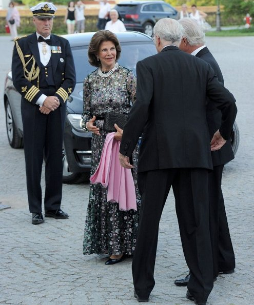 Prince Max of Bavaria, Duke Herzog in Bayern at Nymphenburg Palace. Queen Silvia wore Malane Birger, Valentino printed silk dress