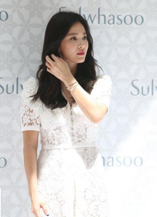 Song Hye Gyo, Çin'deki bir etkinliğe konuk oldu