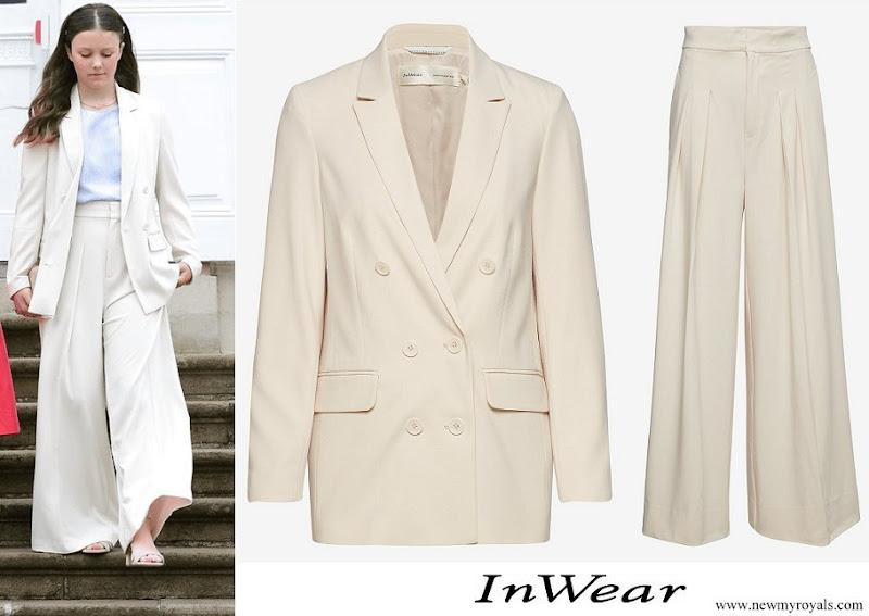 Princess Isabella wore InWear Abra french nougat blazer and trousers