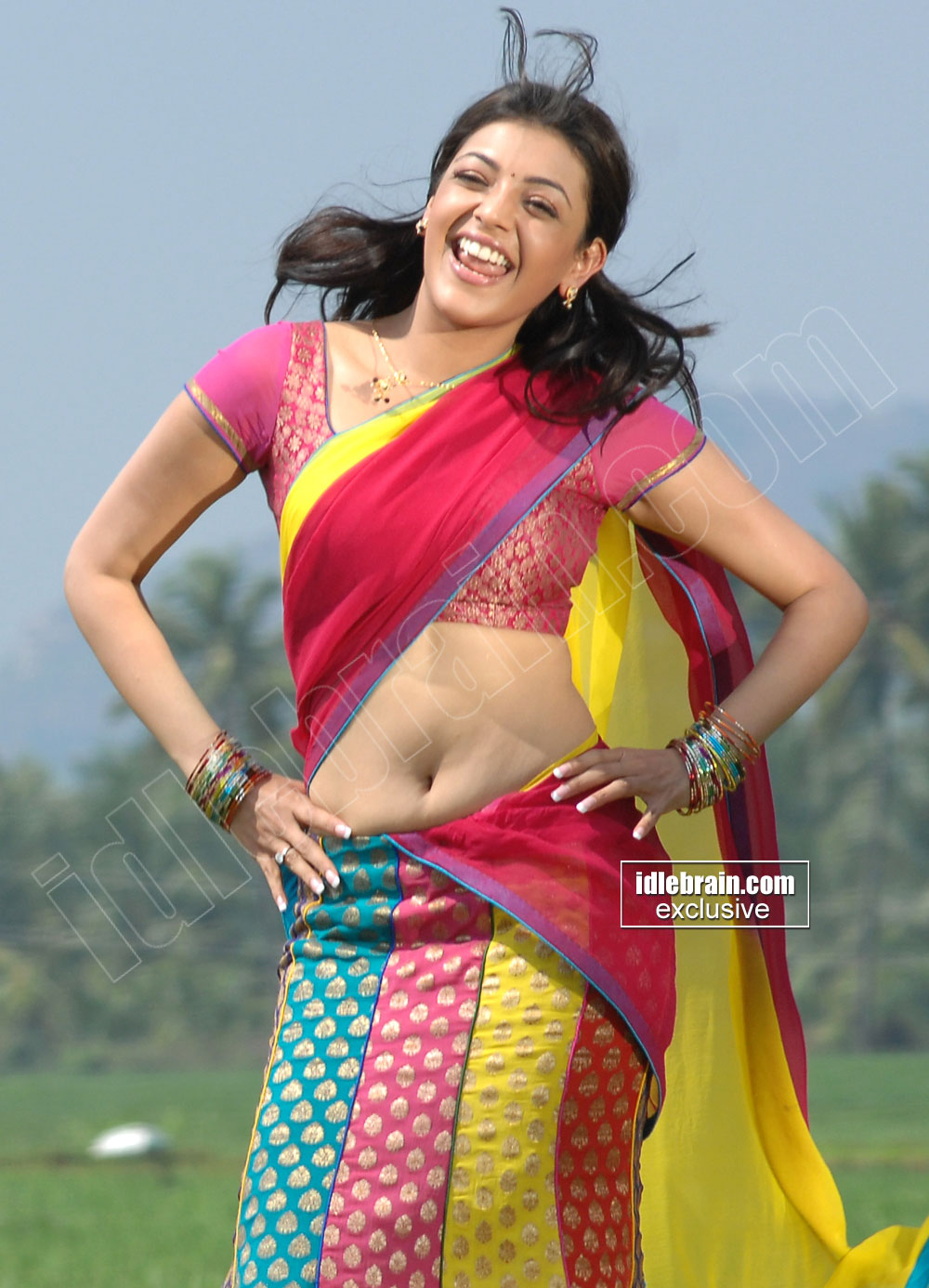 Mallufun.com: Kajal Agarwal Hot Navel And Cleavage Show In