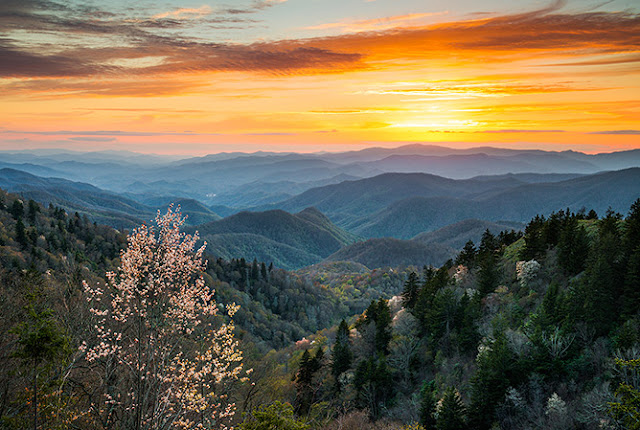 3. Blue Ridge Mountains, AS
