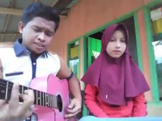 Download Lagu Pacaran Dengan Ku Nikah Dengan Dia Mp3