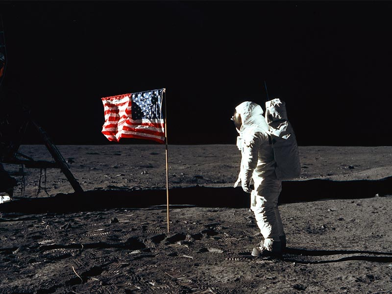 Image Gallary 9: moon landing neil armstrong Photos