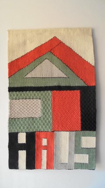 https://www.etsy.com/es/listing/757704680/tapiz-tejido-a-mano-bauhaus?ref=shop_home_active_1&frs=1