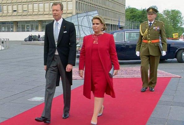 Prince Guillaume and Princess Stephanie, Grand Duke Henri and Grand Duchess Maria Teresa. Princess Stephanie wore Paule Ka oranger dress
