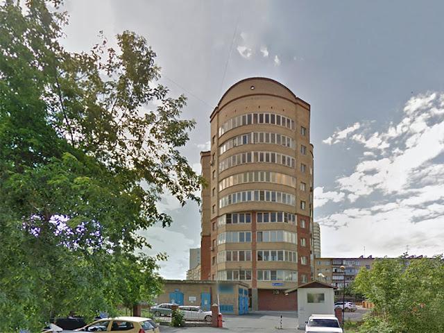 Фасад с торца здания