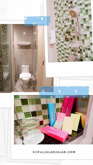 Toilet di Ibis Styles Jakarta Sunter