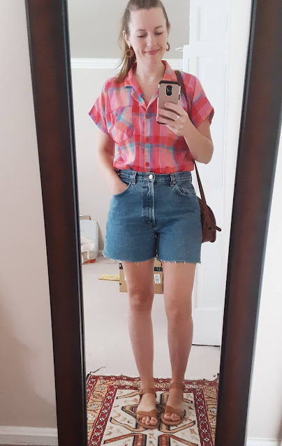 thrifted summer outfit, vintage summer outfit, highwaisted jean shorts vintage, summer plaid outfit, madras paid shirt outfit