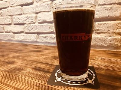 神奈川・横須賀 シャーキーズ クラフトビール トーキョーナイト