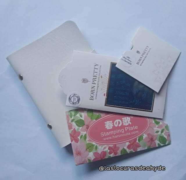 haul bps 3 placas de estampar y estuche para guardarlas en color blanco