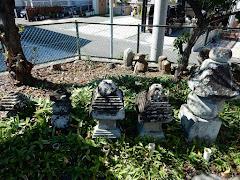 梶原景時一族の供養碑