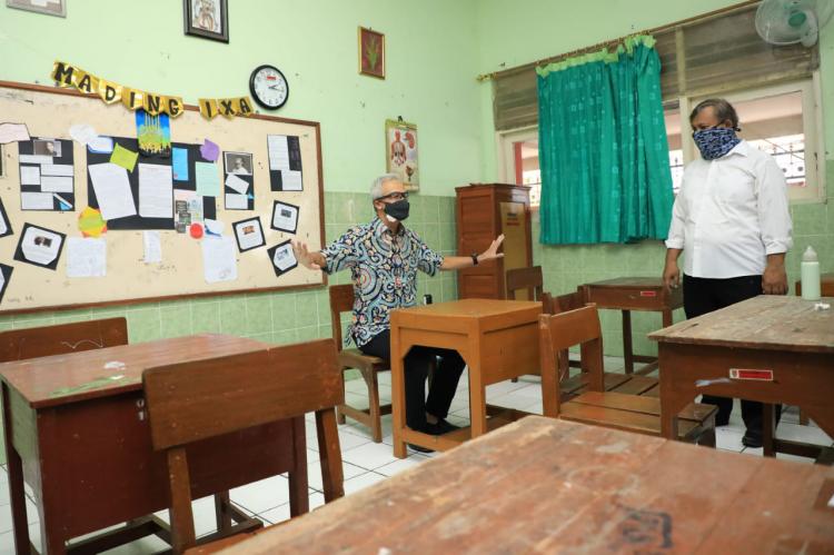 Tinjau Rumah Ibadah, Ganjar Minta Ada Ujicoba Penerapan Normal Baru