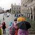 Венеция тонет: уровень воды достиг рекордной отметки в почти 1,5 метра