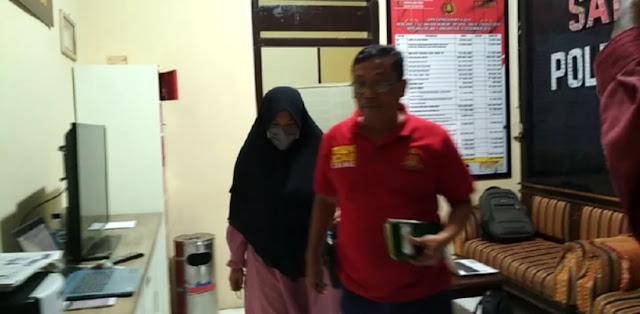 Setelah Diperiksa 4 Jam, Ida Fitri Pemosting 'Jokowi Mumi' Akhirnya Ditahan