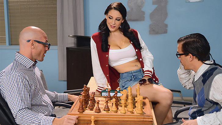 [18+] Big Tits At School – Noelle Easton Joins the Chest Club (2014) SD 690MB