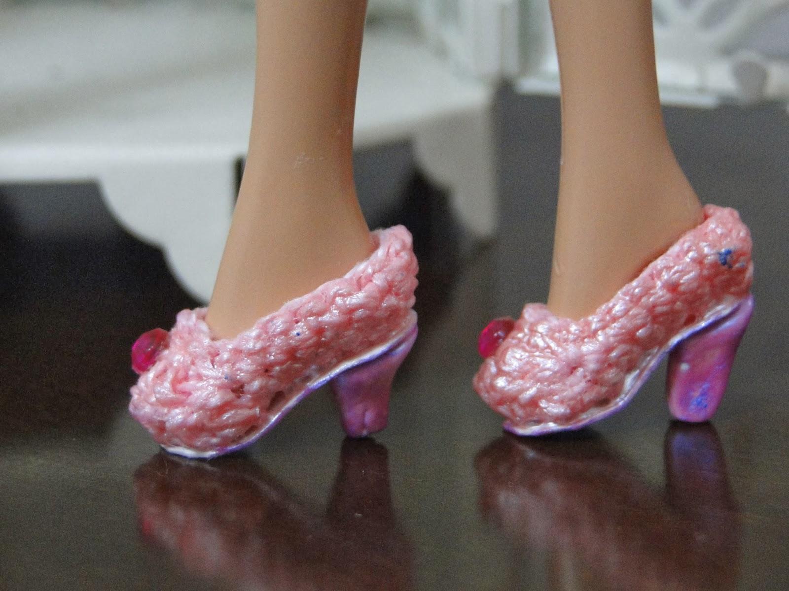 Sapatinhos de Crochê Para Barbie por Pecunia Milliom