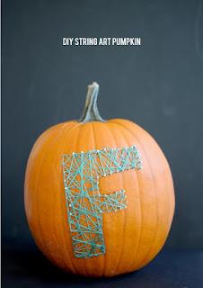 20 Idee Per Decorare Le Zucche Di Halloween Fai-da-te: filo da ricamo