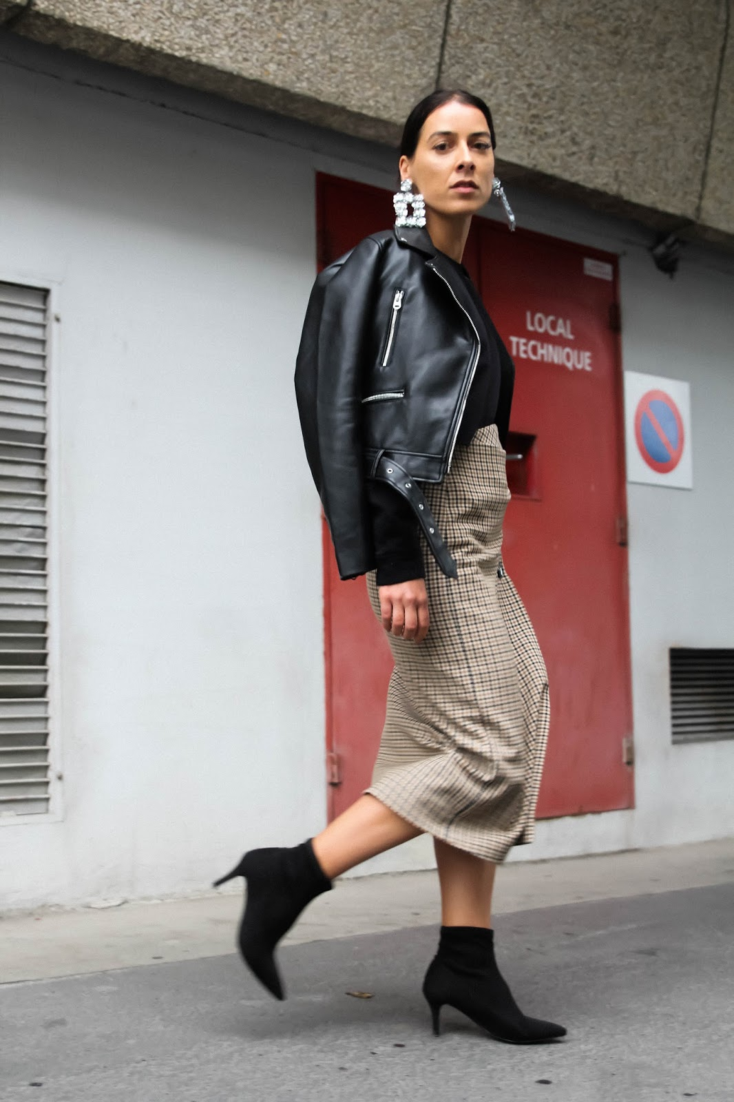 Tendance-carreaux-et-bottines-chaussettes
