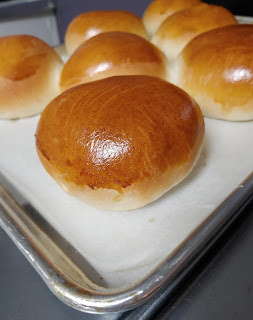 Moomie's Buns - baked hamburger buns