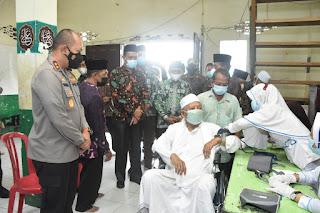 Wakil Gubernur Jambi Tinjau Vaksinasi Serentak Pesantren