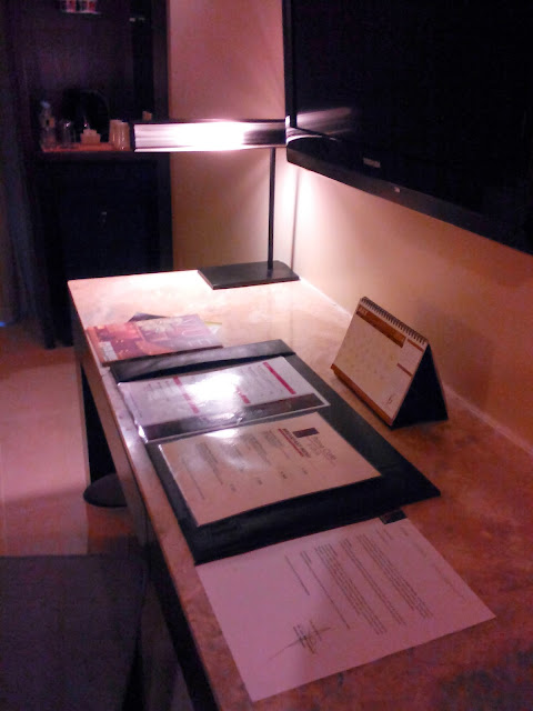 console table at our twin room at B Hotel Alabang