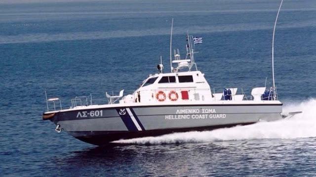 Βυθίστηκε σκάφος στη Μήλο - Μεγάλη επιχείρηση διάσωσης των επιβαινόντων (βίντεο)