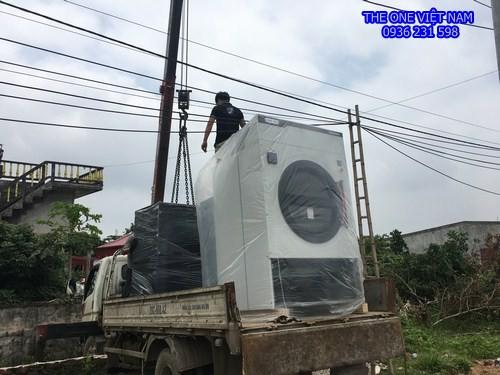 Máy giặt sấy công nghiệp cho khách hàng ở Hưng Yên