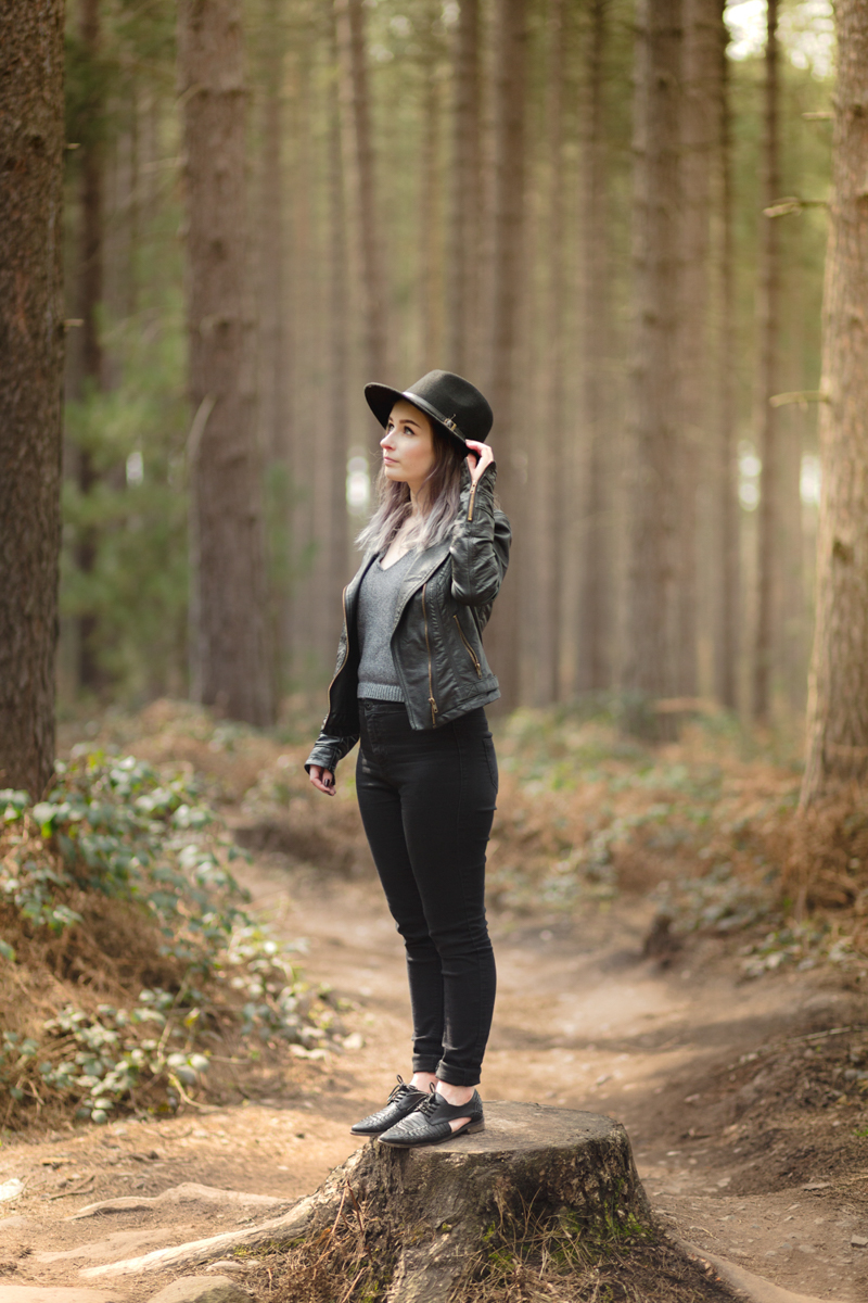 all black monochrome primark outfit fashion blogger ootd in the forest sherwood pines