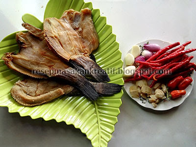 Cara memasak dengan resep ikan asin gabus balado yaitu salah satu variasi sajian olahan ik RESEP IKAN ASIN GABUS BALADO