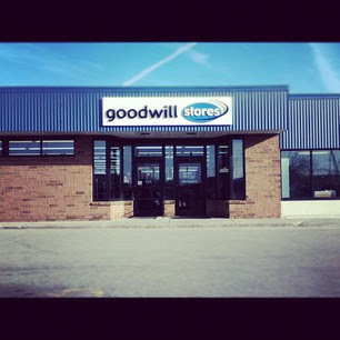 Thrift Trick: Thrift Review: Goodwill on Robbin's Rd ...