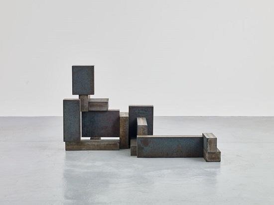 "Antony Gormley - ""Pose"", 2016. | imagenes obras de arte figurativo abstracto, esculturas figurativas abstractas | art pictures inspiration, cool stuff"